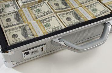 Jak bezpiecznie korzystać z usług agencji pozabankowych